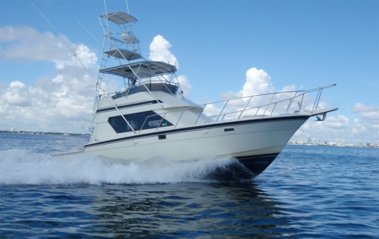 Miami deep sea fishing boats top gun charters for Off shore fishing boats